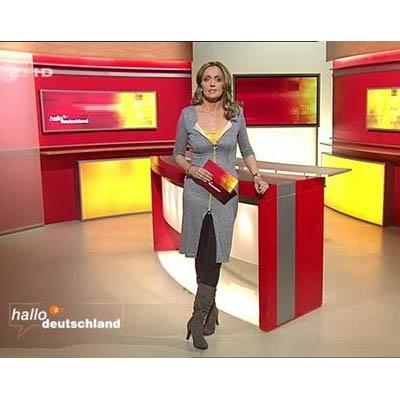 VIP Ausstattung: Sandra Maria Gronewald in rebekka ruétz